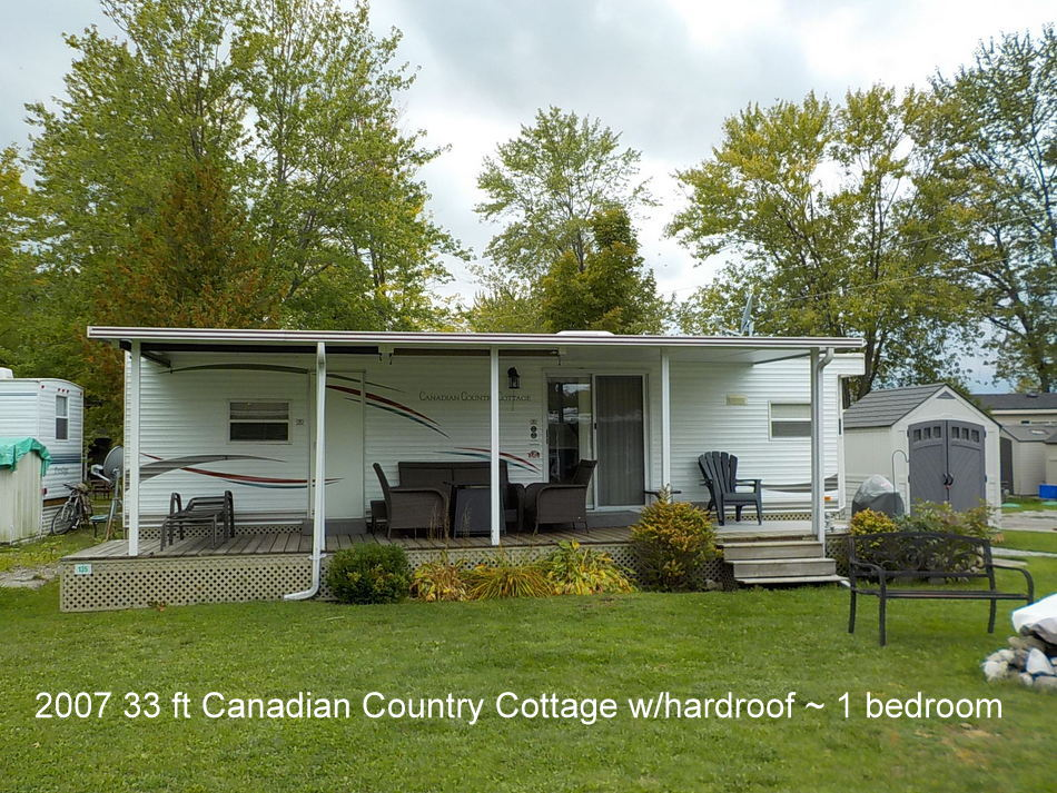 007 33ft Fleetwood Canadian Country Cottage